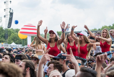 Crowd-IleSoniq2016-byPierreBourgault-21