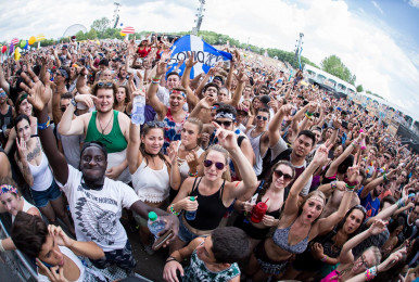 Crowd-IleSoniq2016-byPierreBourgault-23