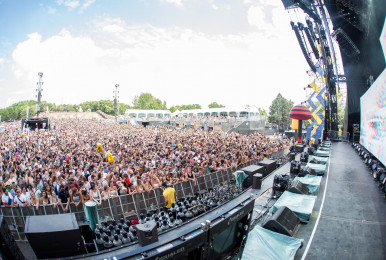 Crowd-IleSoniq2016-byPierreBourgault-26